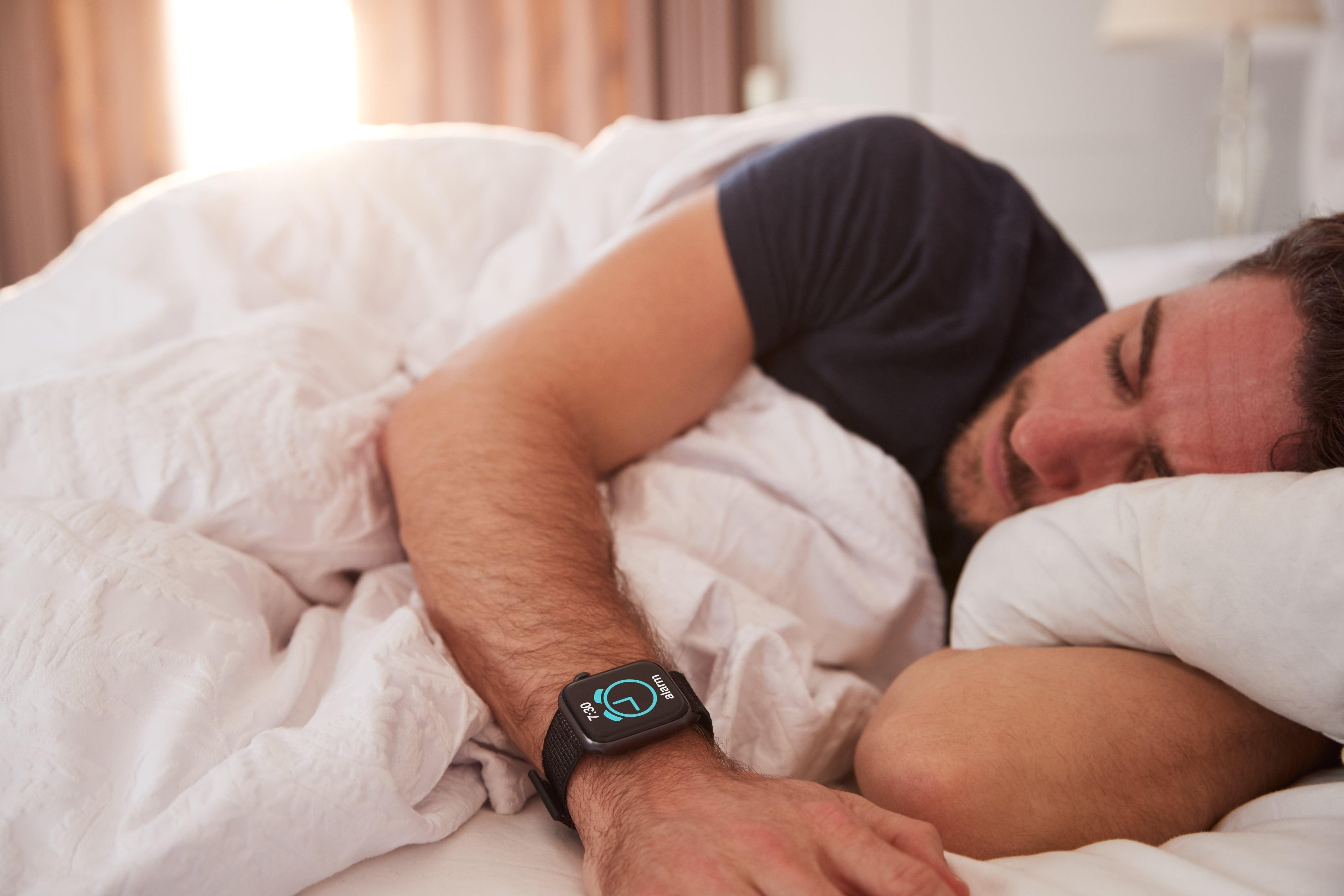 Man falls asleep fast after taking CBD and melatonin